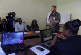 A. Wardell teaching at Green Journalists workshop in Kisangani. Session 3.